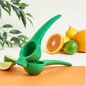 NWT ART AND COOK Citrus Squeezer FabFitFun quirky neon kitchen gadget accessory